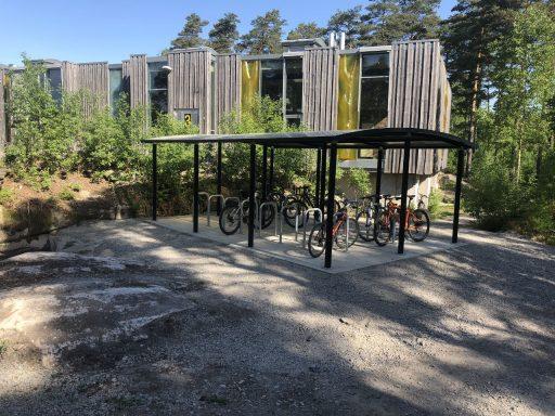 Ymer 3 dobbel med Arcum sykkelstativ - Kvernhuset ungdomsskole