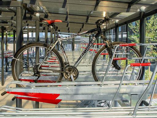 Sykkelen plassert i toppstativet - er som å løfte 2,1 kg