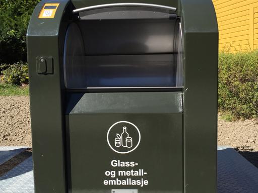 Innkast for glass, metall og emballasje