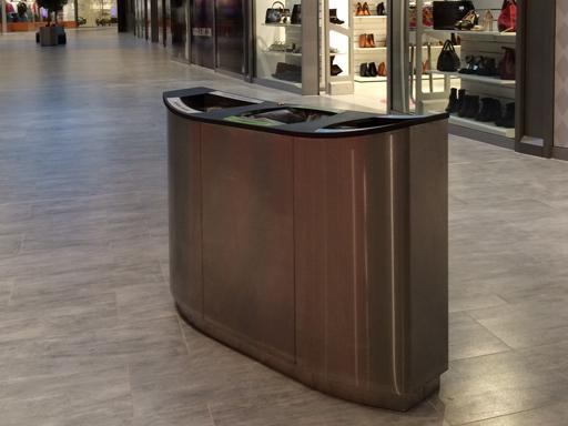 Wave leveres i materialer velegnet for både innen- og utendørs bruk.