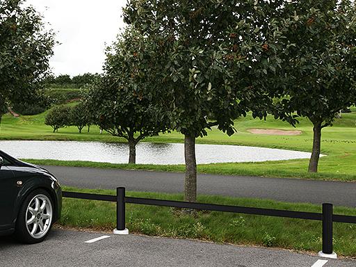 Carpo parkeringsgjerde er vedlikeholdsfritt og lettmontert.