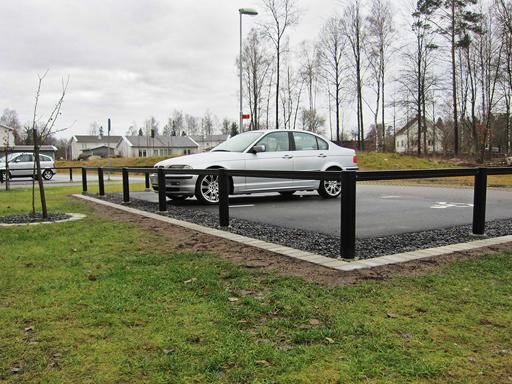 Carpo er et vedlikeholdsfritt og lettmontert parkeringsgjerde.