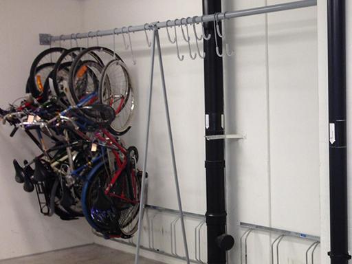 Praktisk og enkel måte for oppbevaring av sykler.