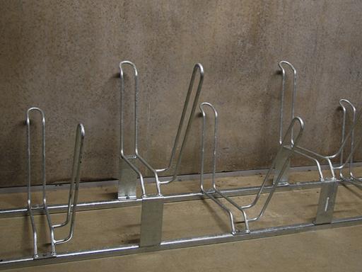5 sykkelplasser per stativ.