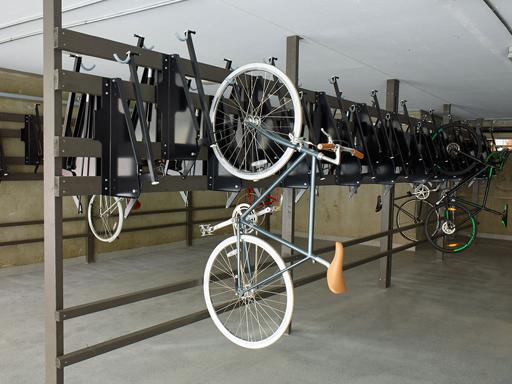 Vegghengt sykkelstativ - RT1 - Frigjør veridfull gulvplass.